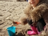 20150412_Emmna digging in the sand 2
