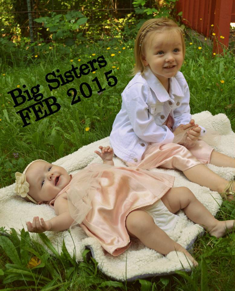 They're going to be big sisters!