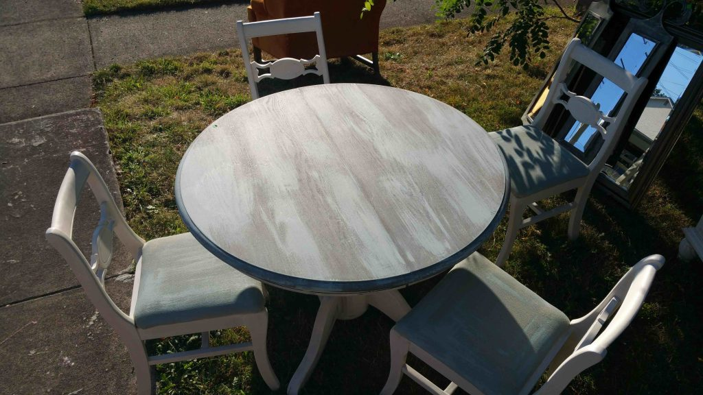 Sold this table and chairs to our neighbor.